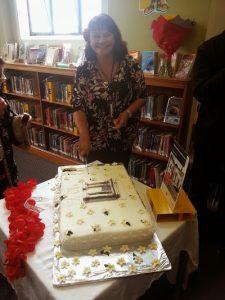 Grey Lynn library cake cutting